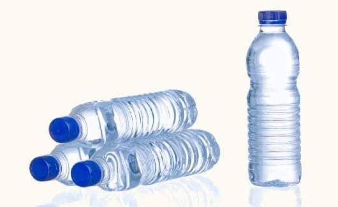 Juiz é punido com aposentadoria compulsória por furtar água mineral de Forum em SP