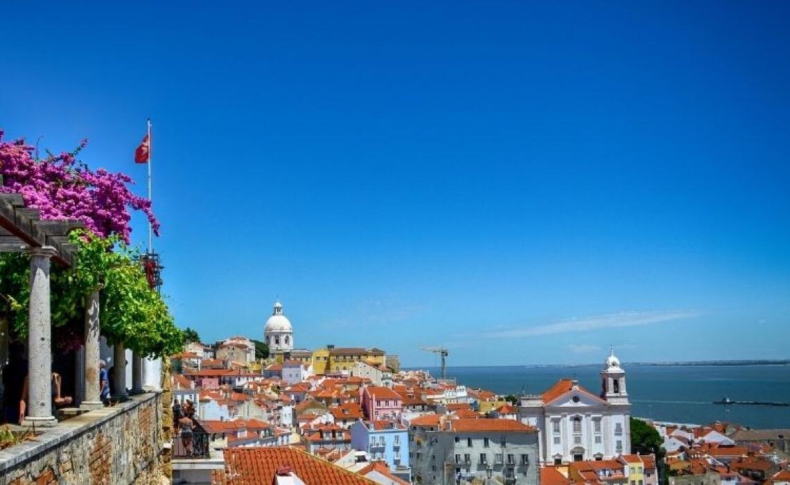 Alfama em Lisboa: Conheça o bairro histórico da capital lusitana