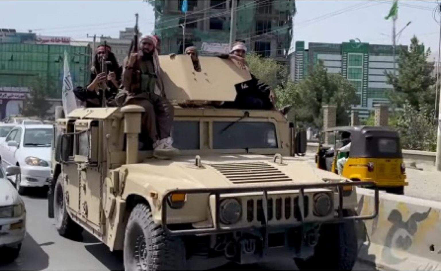 Quase 100 países fazem acordo com Talibã para saída segura do Afeganistão; Brasil não está na lista