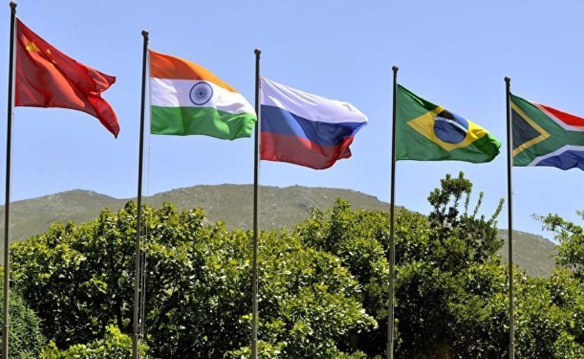 Banco do BRICS procura expansão regional com adesão dos 3 novos sócios, avalia especialista