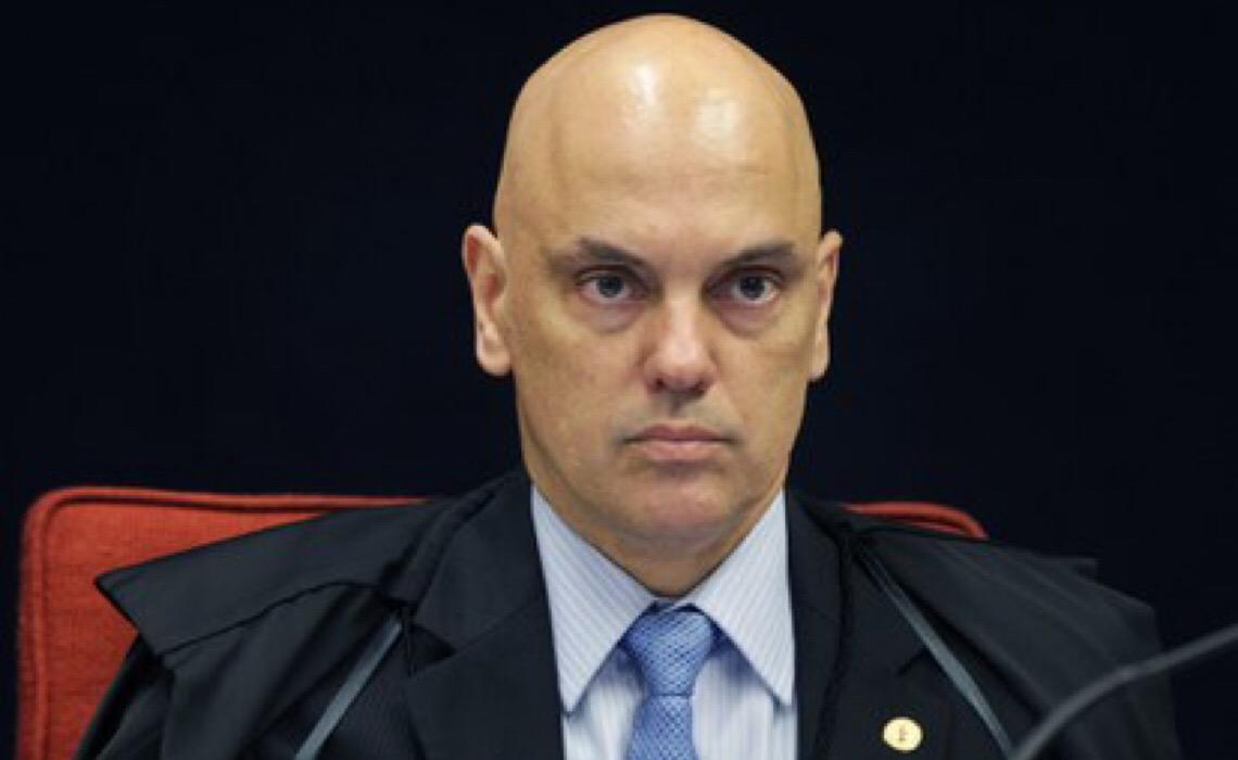 Bolsonaro desafia Supremo Tribunal Federal e diz que não cumprirá decisões de Moraes