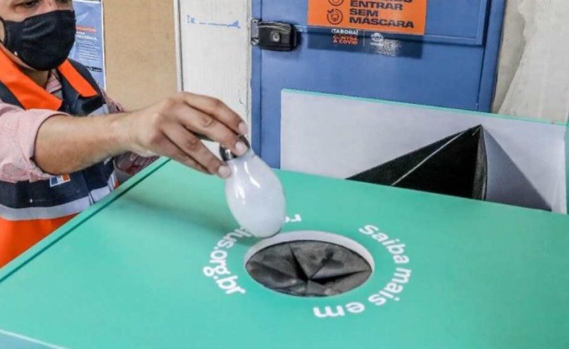 Associação oferece gratuitamente 580 coletores de lâmpadas para municípios do Norte e do Nordeste