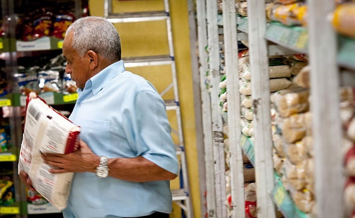 Custo da cesta básica em Brasília foi o que mais subiu em 12 meses, segundo Dieese