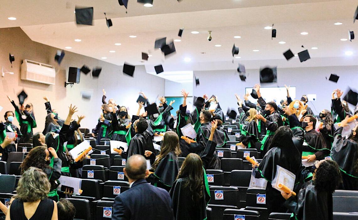 Escola Superior de Ciências da Saúde completa 20 anos