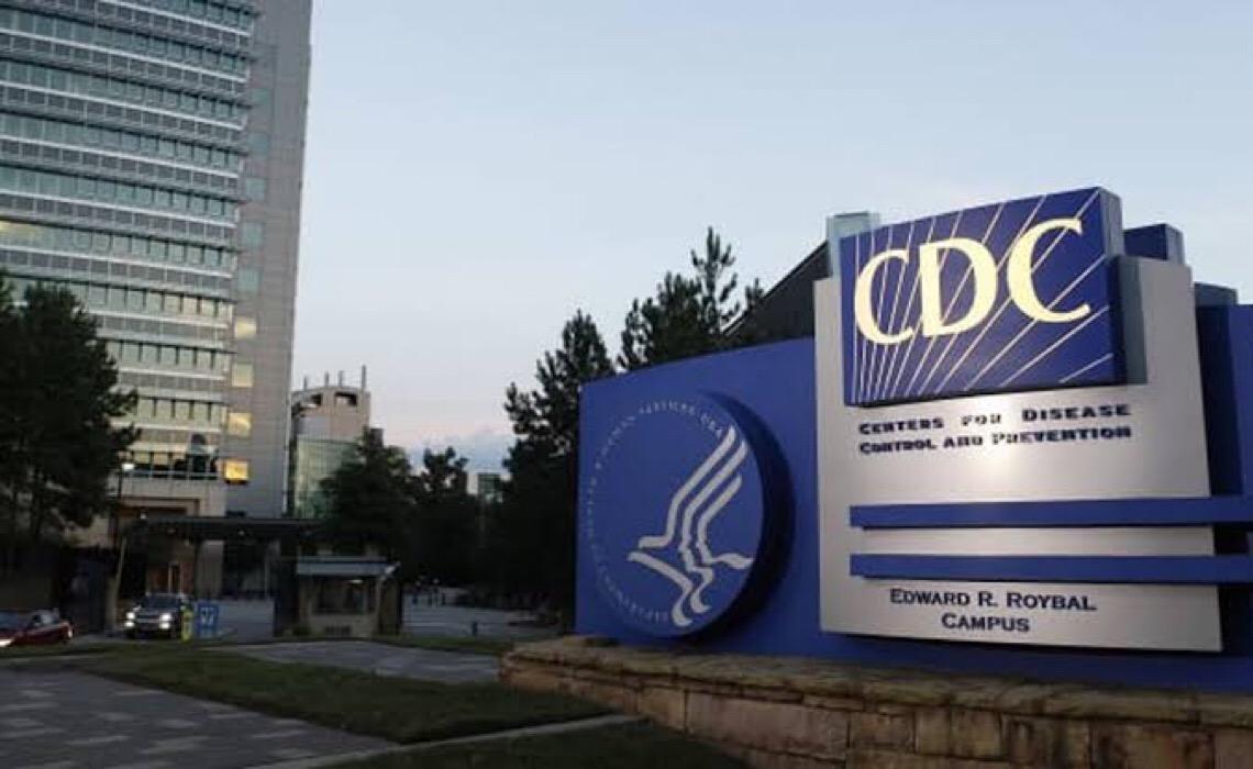 CDC dos EUA reduz nível de alerta para viagens ao Brasil para
