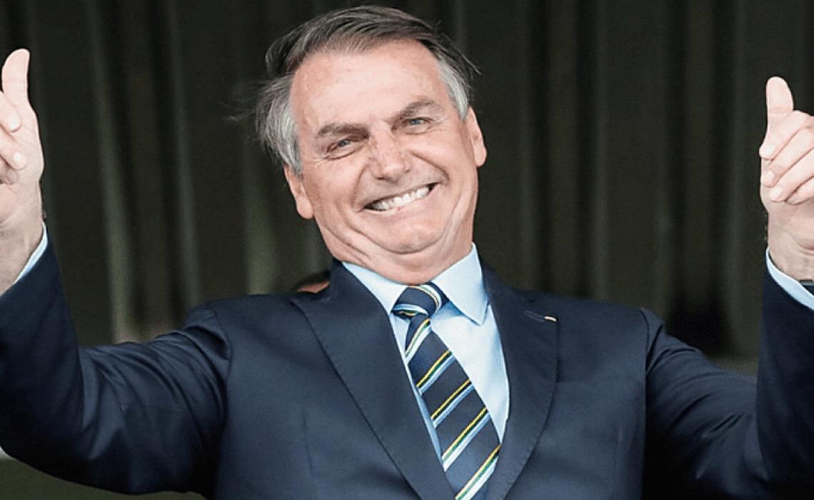 Jair Messias Bolsonaro, a chacota que destrói o Brasil