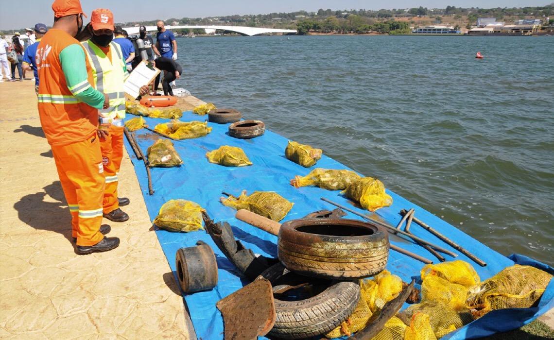 GDF, Marinha e Ocupe o Lago se unem para limpar o Paranoá