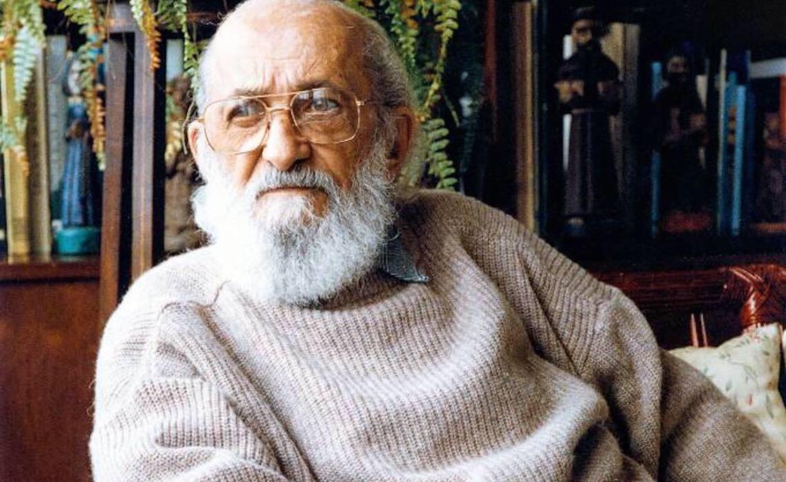 Paulo Freire e os rinocerontes de cabeça pra baixo