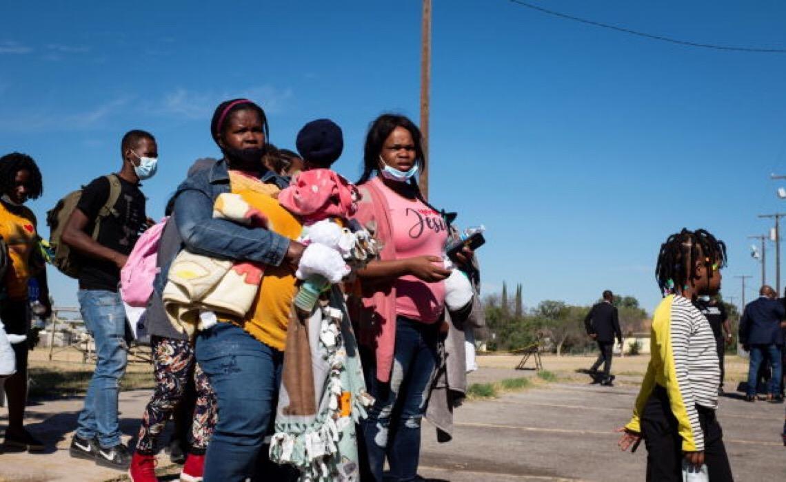 Itamaraty não fará nada sobre deportação de crianças brasileiras dos EUA para Haiti, diz professor