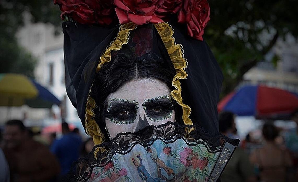 Entre riscos e expectativas, carnaval é confirmado por prefeituras: O Brasil está preparado?