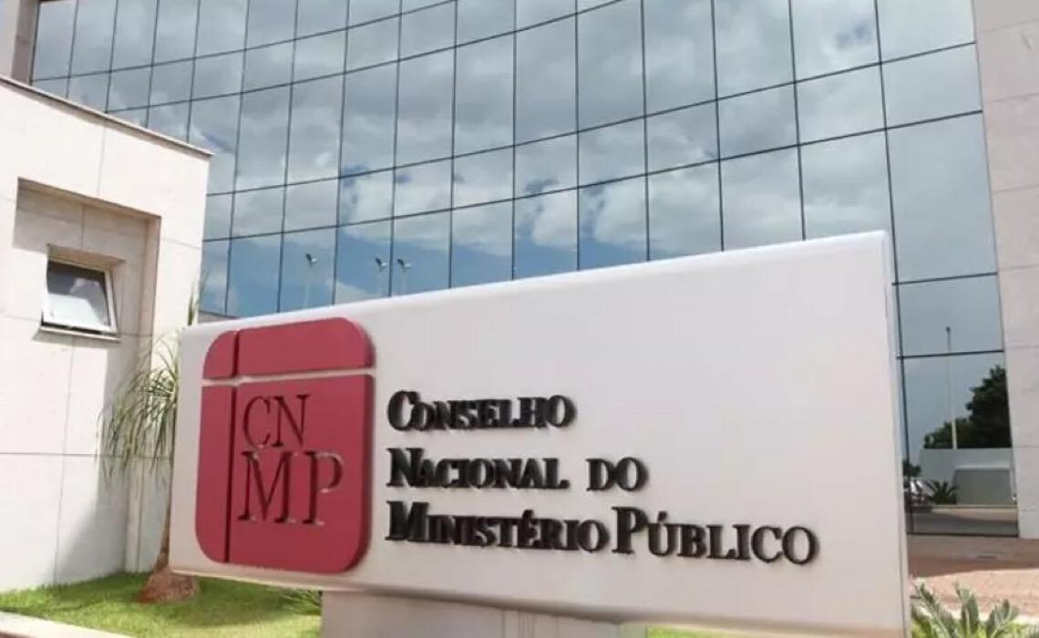 Promotores e procuradores fazem protestos contra a PEC que altera 'Conselhão'