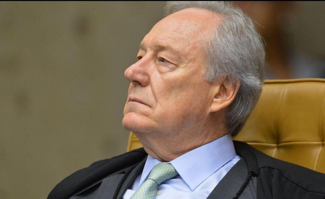 Senadores pedem que Lewandowski reveja decisão sobre sabatina de André Mendonça