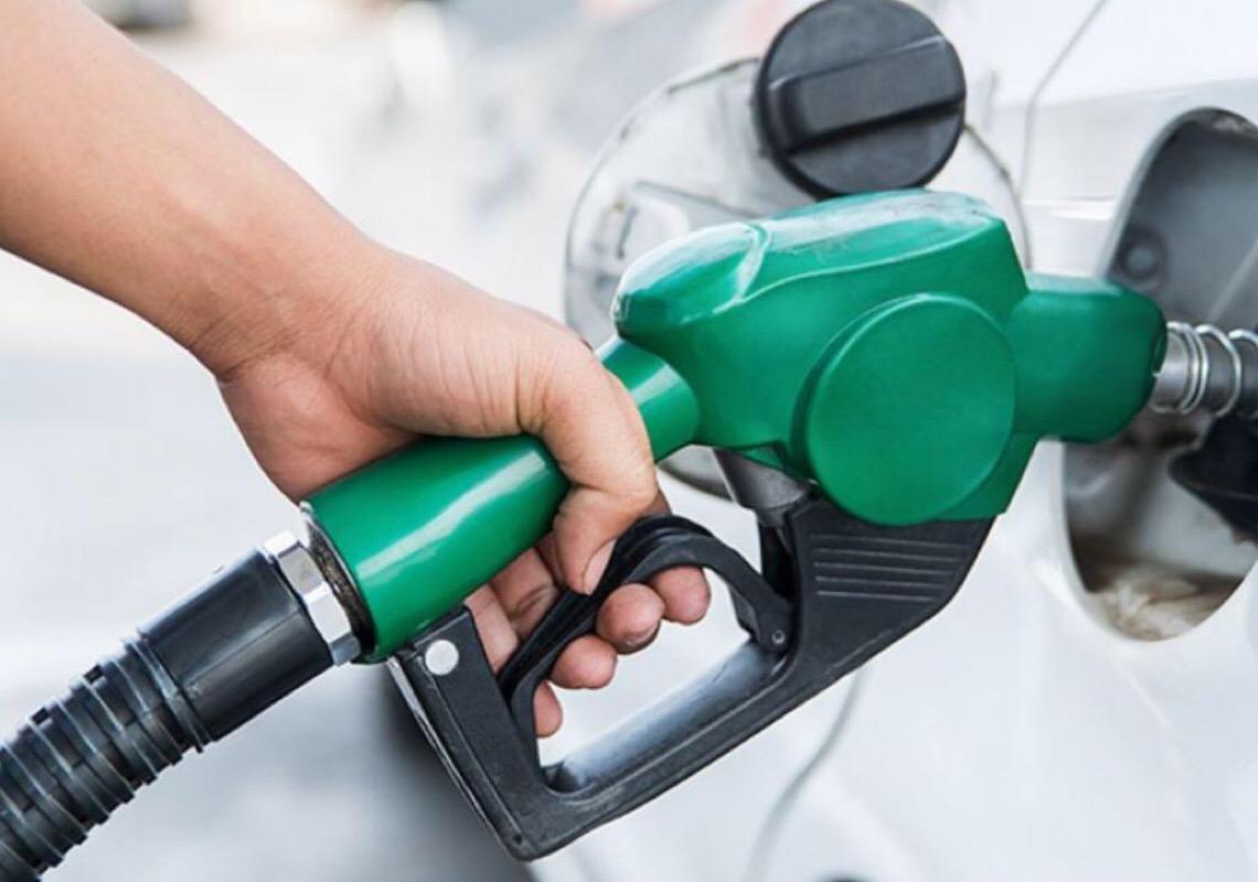 Transportadores de combustíveis iniciam greve apoiada por FUP e sindicatos