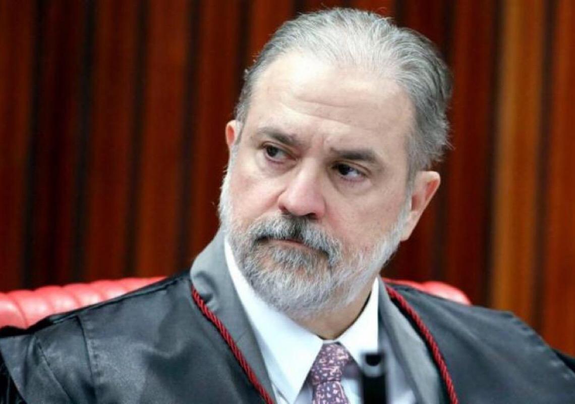 Senadores da CPI consideram impeachment de Aras caso ele arquive indiciamentos