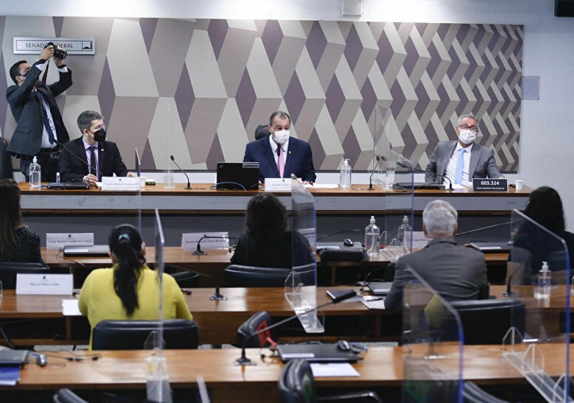 CPI da Covid revela itinerário de 'perda de soberania e política nacional' do Brasil