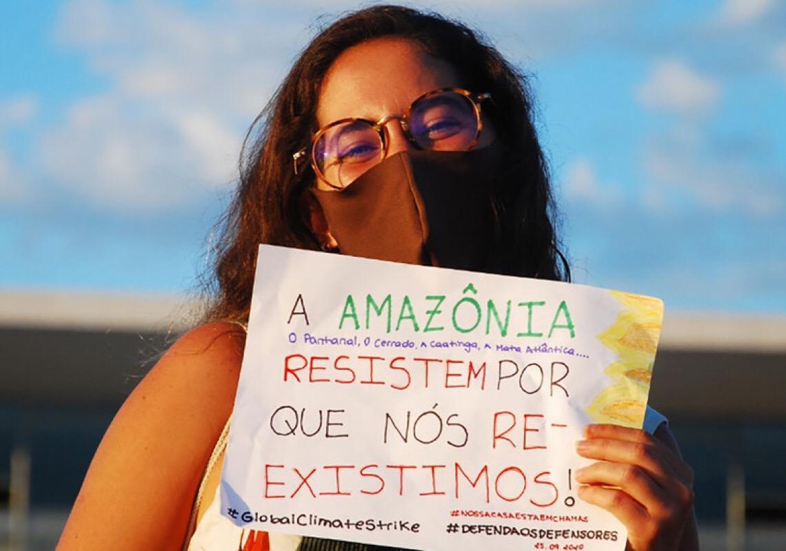 Brasileira Paloma Costa promove ação pelo clima