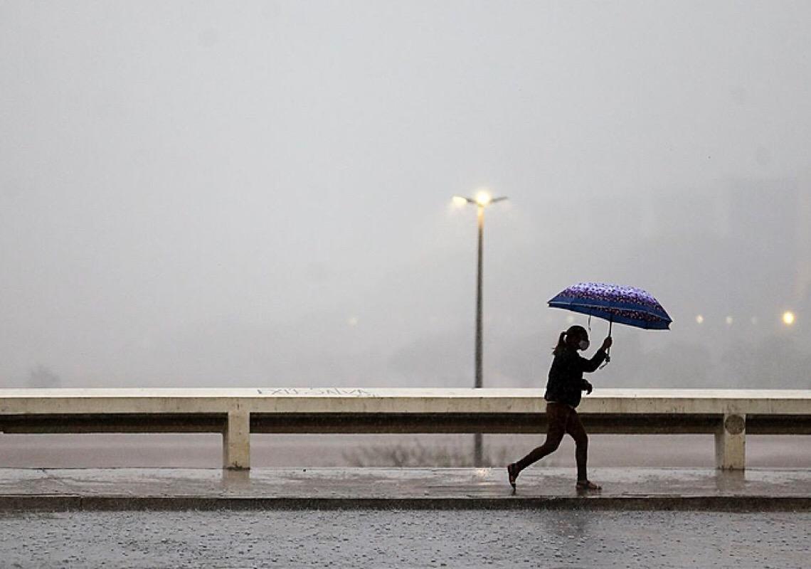 Chuvas em outubro se aproximam da média histórica no DF