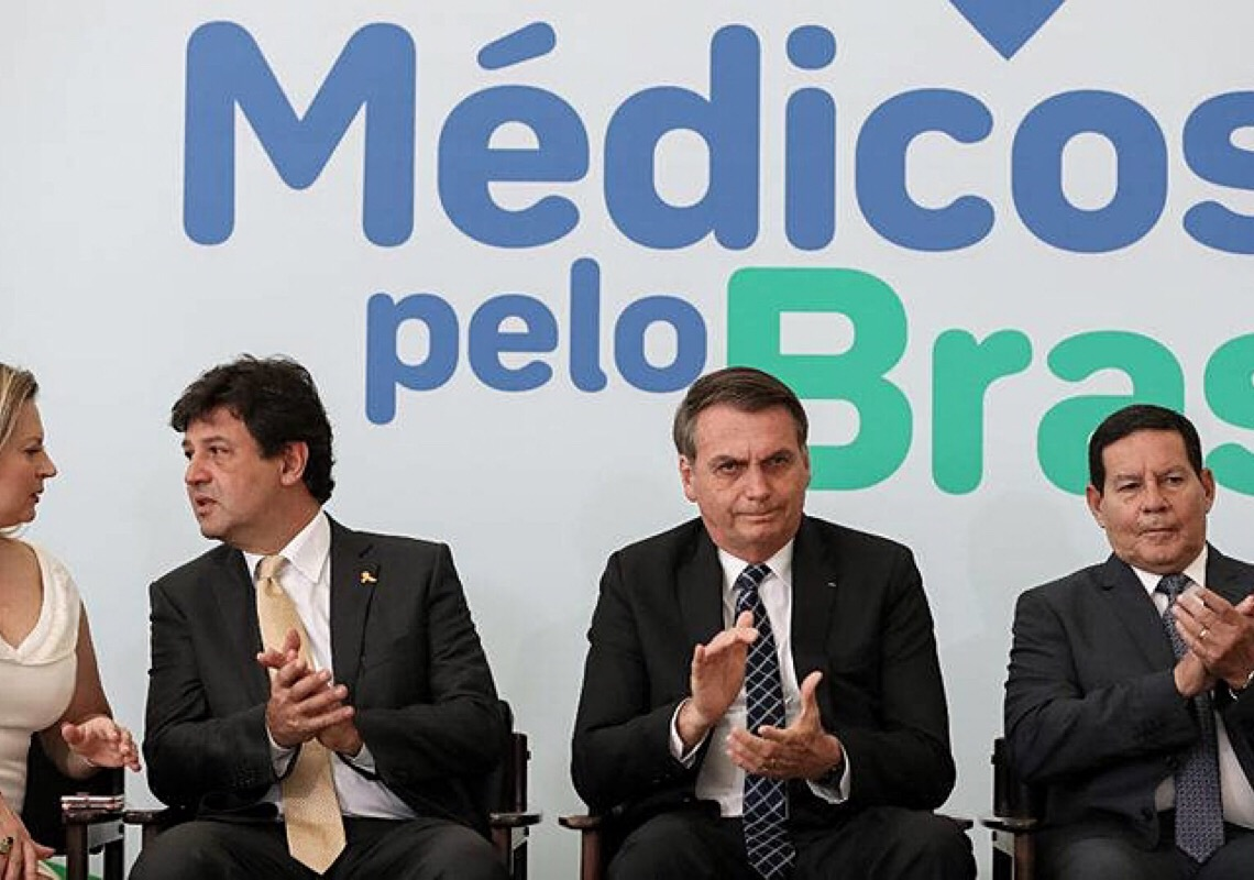 Lançado há 2 anos, programa de Jair Bolsonaro para substituir Mais Médicos nunca abriu edital