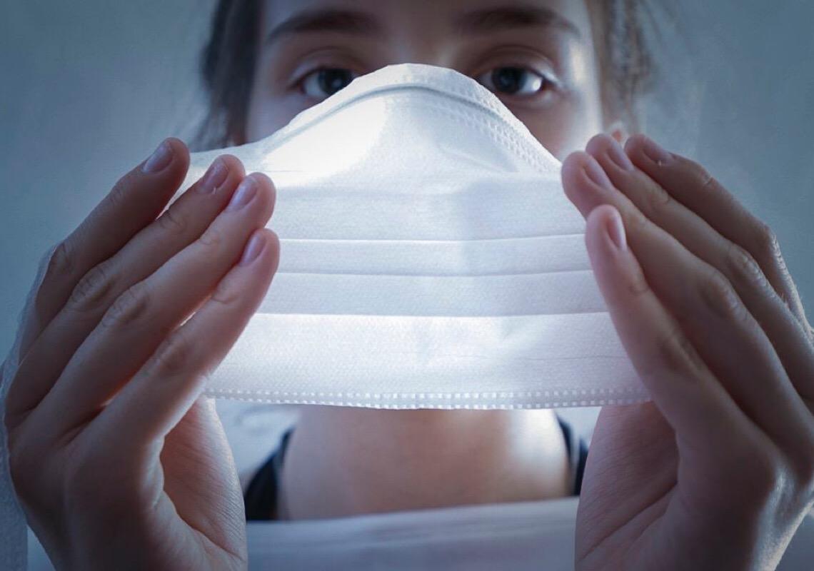 Tirar máscara agora é como morrer atropelado na faixa
