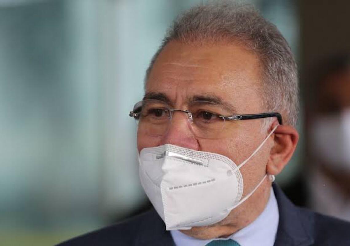 Com protesto na porta, Queiroga dá palestra sem público em faculdade de Lisboa