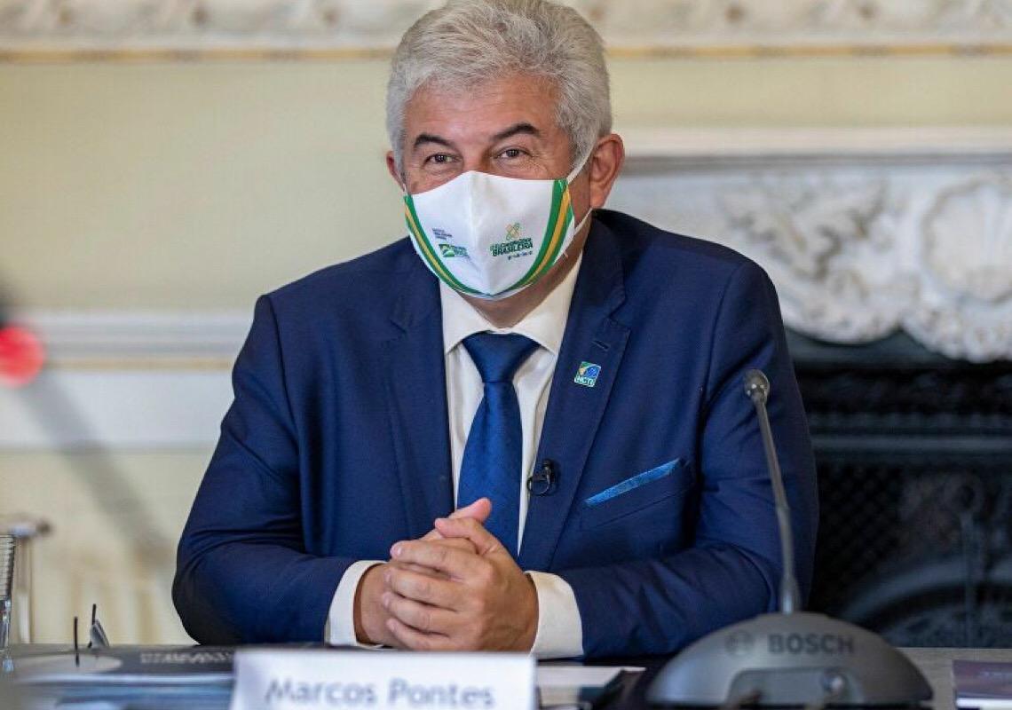 Guedes chama ministro Marcos Pontes de burro e diz que no Brasil não falta dinheiro, e sim, gestão