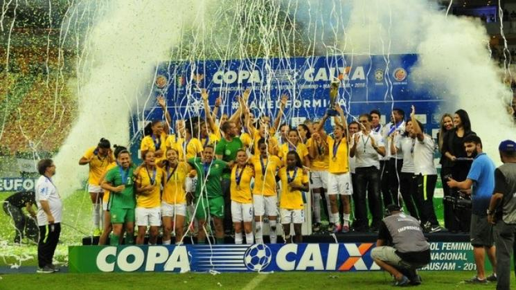 ContextoExato - Brasil bate a Itália e leva torneio de futebol feminino b91e073690bc1