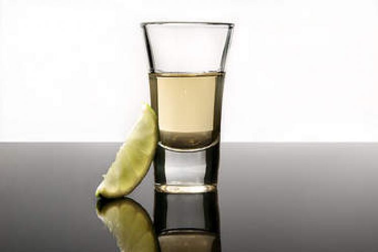 Tequila pode ajudar a emagrecer, aponta estudo