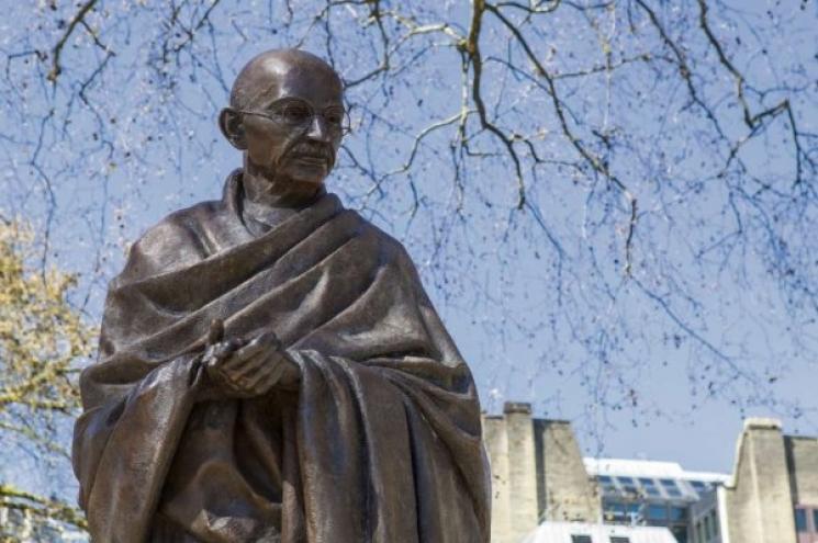 70 anos sem Gandhi: O  que ele nos ensinou