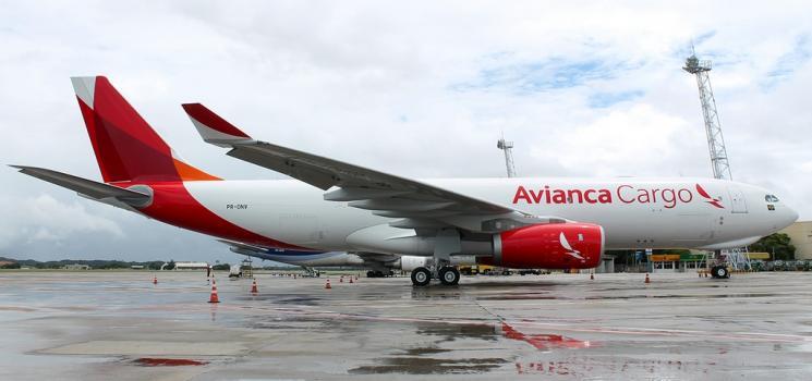 Mudanças arbitrárias em contrato gera dever de empresa aérea indenizar