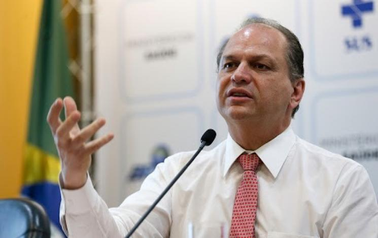 MPF faz novo pedido de afastamento do ministro da Saúde