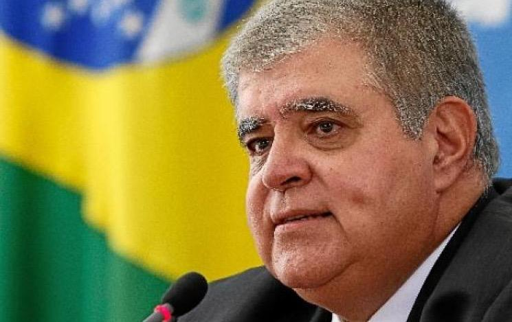 Planalto repudia atitude do ministro Luís Roberto Barroso