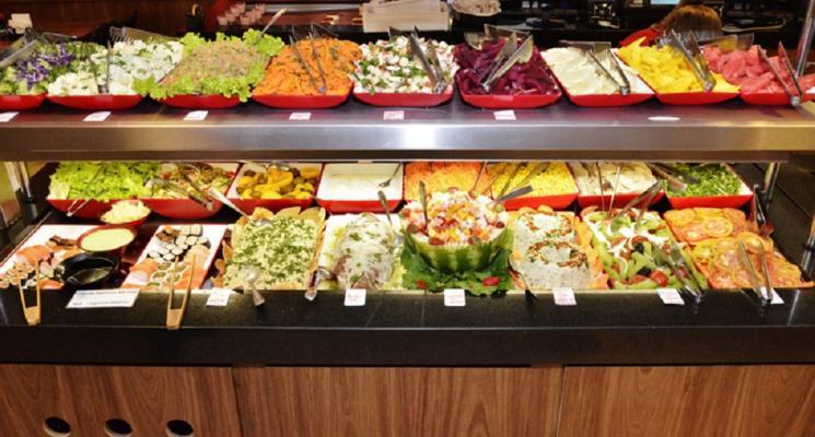 Restaurante self-service oferece rapidez e qualidade no mundo moderno