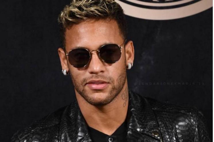 Neymar homenageia os amores de sua vida no 'Dia da Mulher'