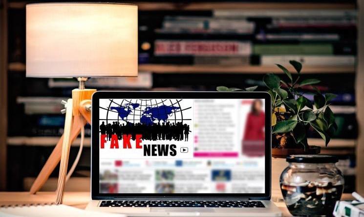 Notícias falsas são 70% mais compartilhadas do que as verdadeiras