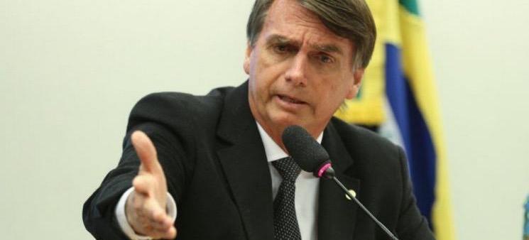 PGR denuncia Bolsonaro por crime de racismo
