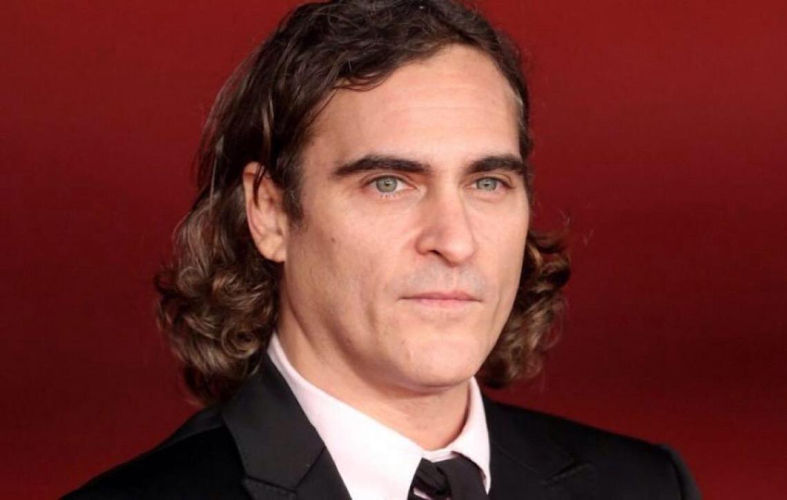 Coringa: Diretor revela teste de câmera com Joaquin Phoenix maquiado como o vilão