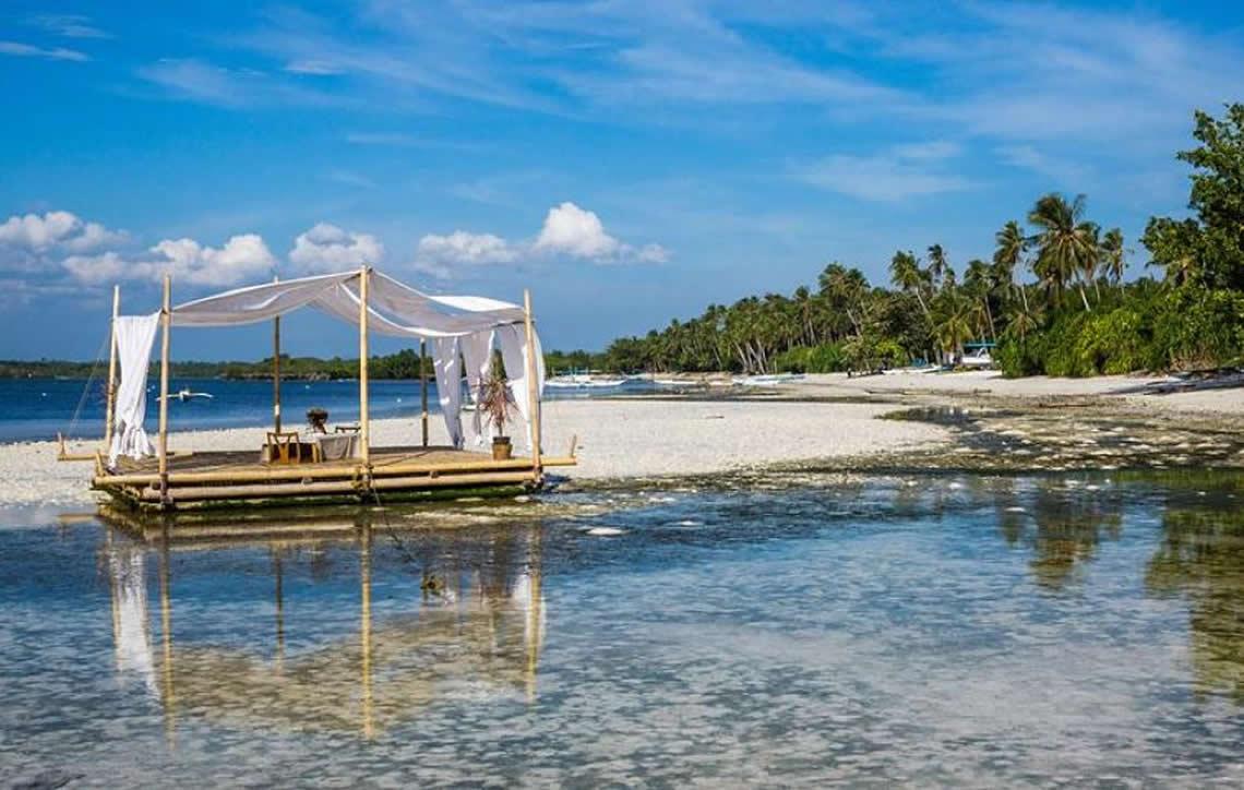 Filipinas vão reabrir aos turistas a ilha Boracay após seis meses de encerramento