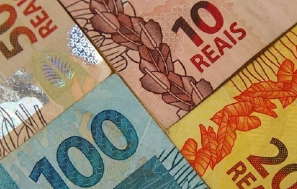 Brasileiros já pagaram mais de R$ 2 trilhões em impostos neste ano