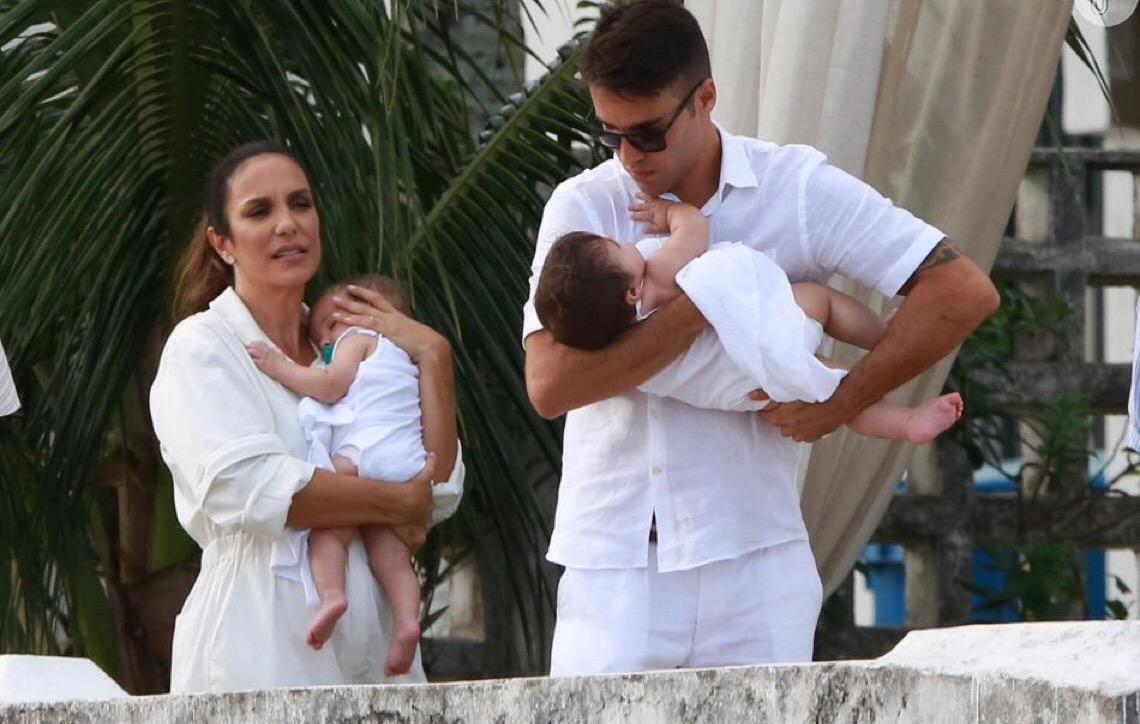Ivete Sangalo leva filha gêmea, ao ensaio
