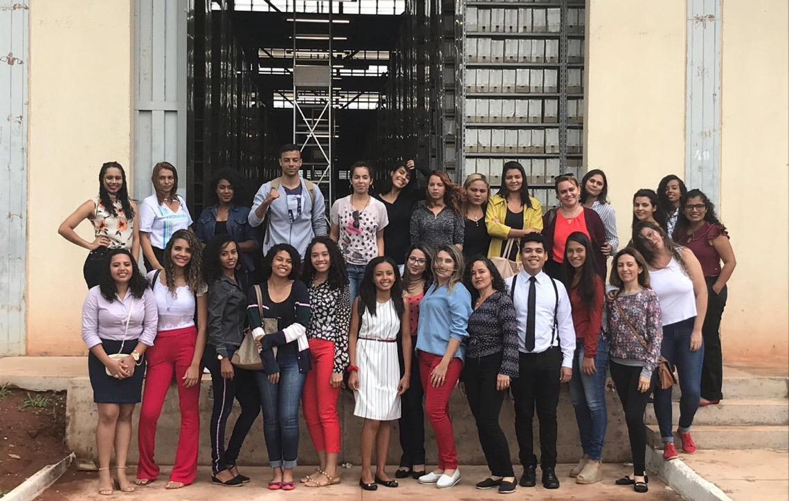 Estudantes do Instituto Federal de Brasília visitam o complexo arquivístivo do TJDFT