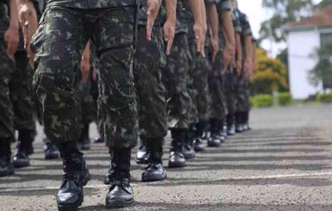 Exército da 5ª Região abre vagas com remuneração de até R$ 7,8 mil