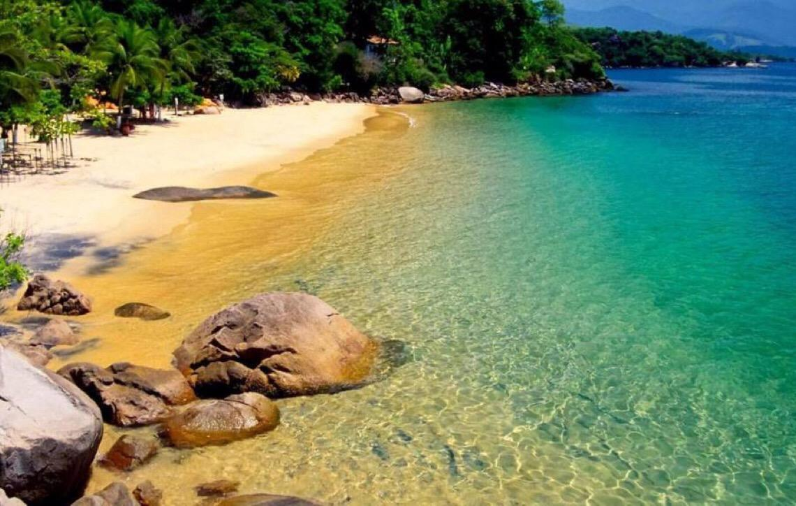 Dez praias brasileiras para passar o ano novo