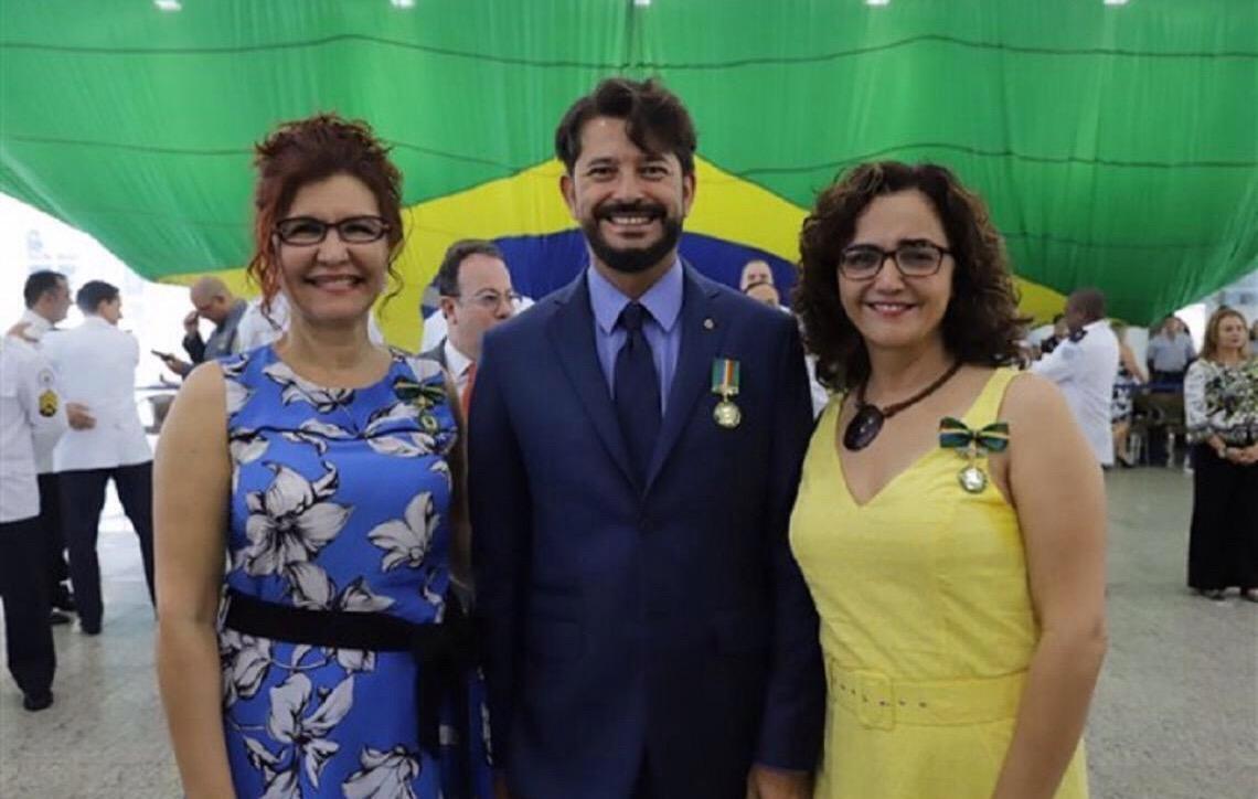 Promotores de Justiça recebem medalha Mérito Ambiental da PMDF