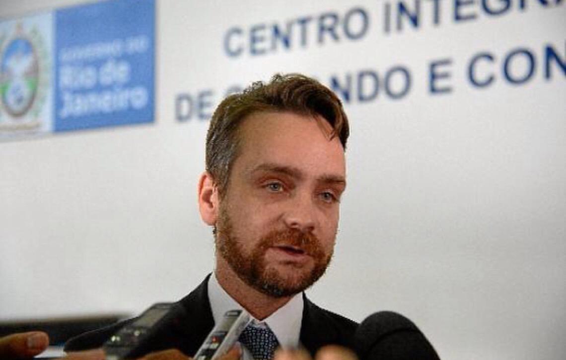 Gustavo Rocha. Do Executivo para o Judiciário