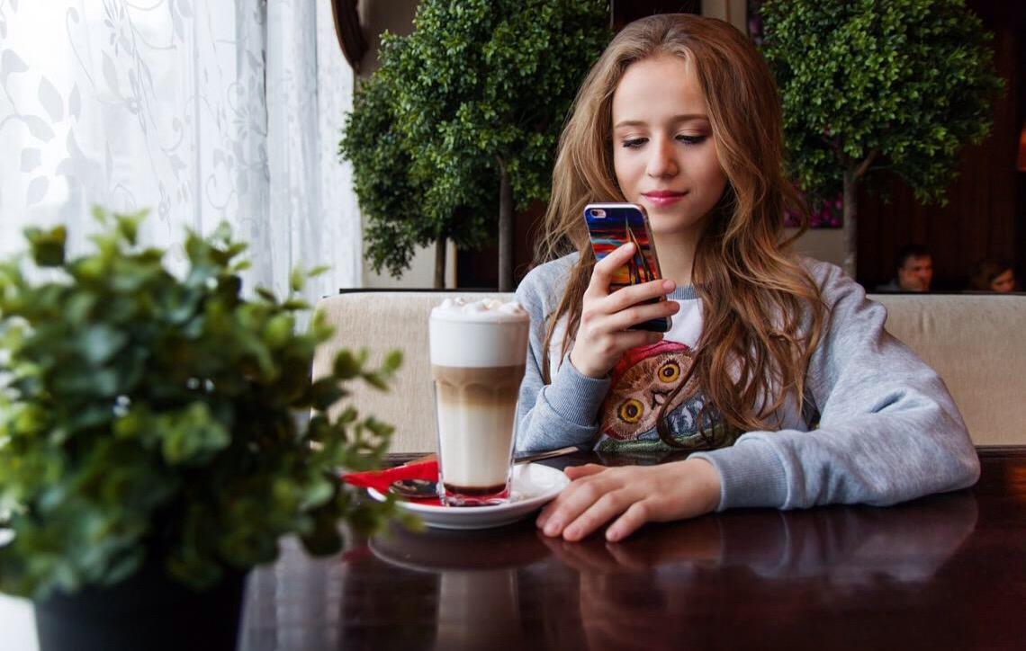 Geração do smartphone é menos rebelde e psicologicamente mais frágil