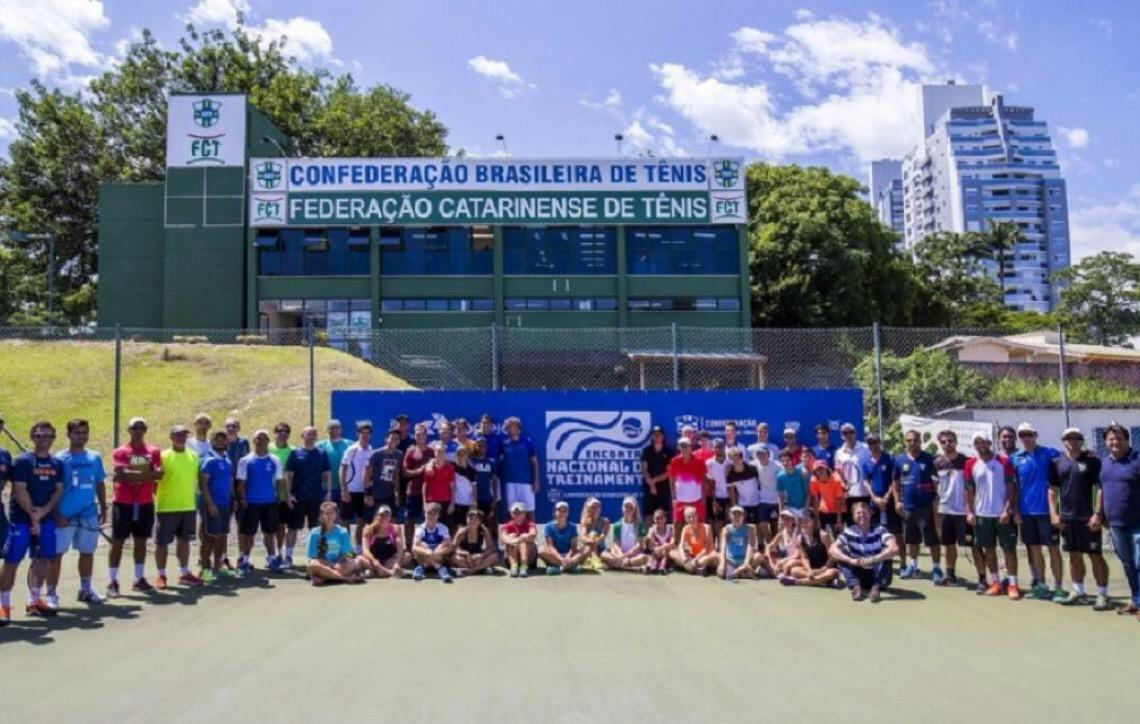 Principais tenistas do país participam de Encontro Internacional de Treinamento em Florianópolis