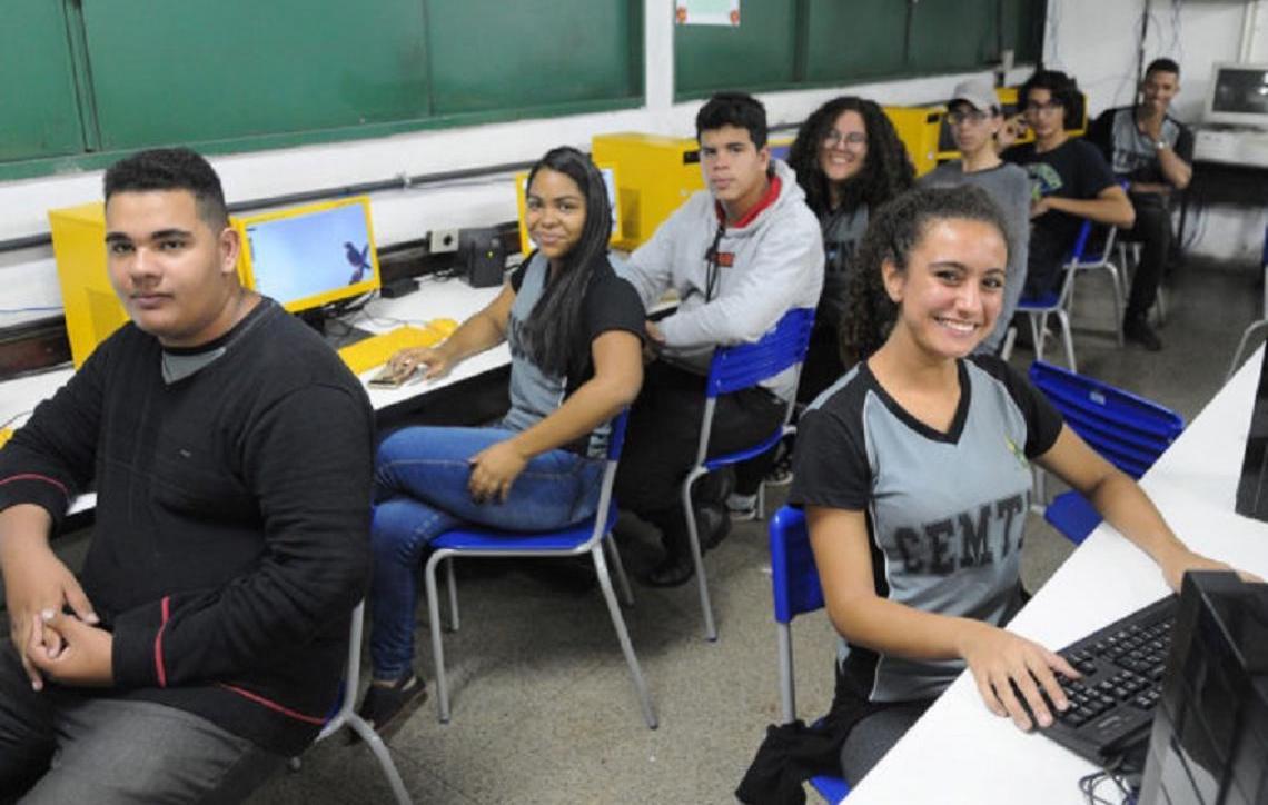 Ensino Médio em Tempo Integral amplia aulas práticas e conecta conteúdos