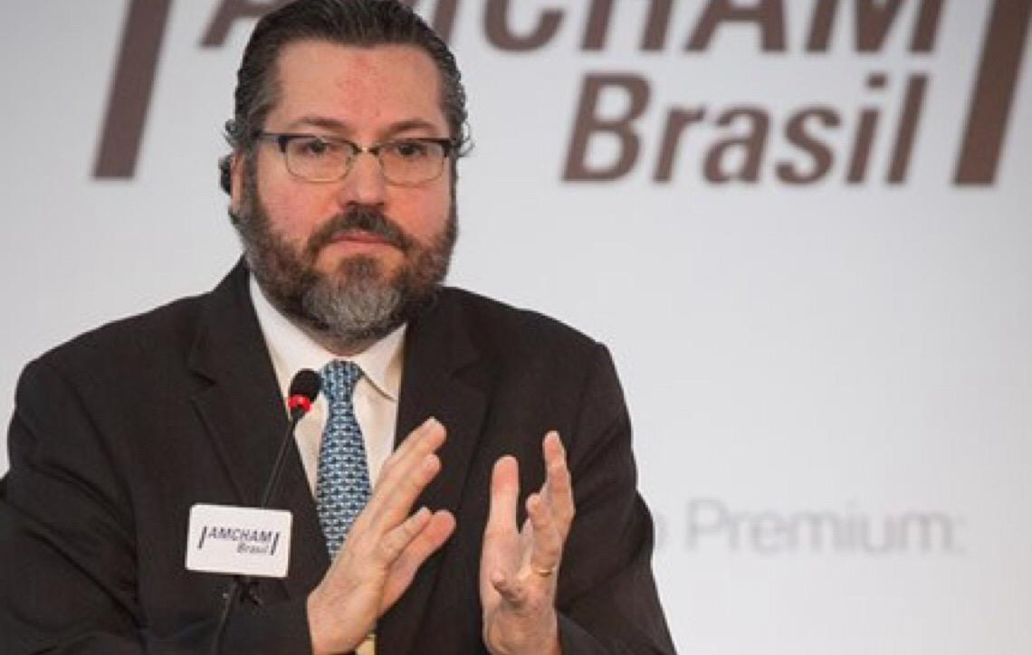 """""""Com os EUA, o céu é o limite"""", afirma o futuro chanceler Ernesto Araújo"""