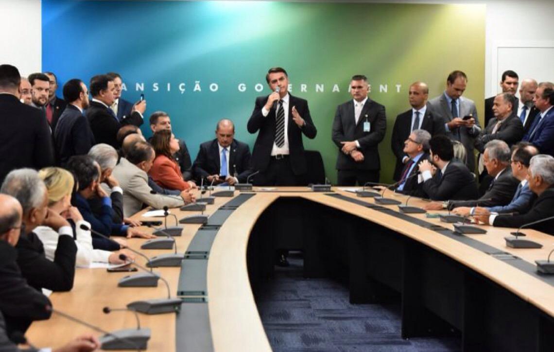 Bolsonaro avisou deputados sobre caso de ex-assessor do filho