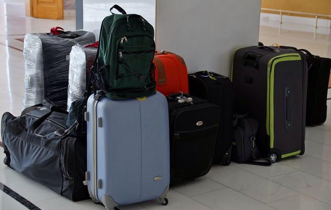 Regras de bagagem: conheça seus direitos na hora de despachar a mala